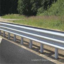 Barrière de sécurité routière galvanisée