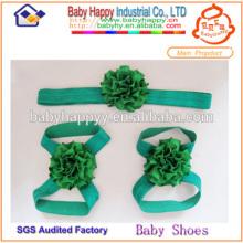 Elegante hermosa sandalias descalzo para bebés