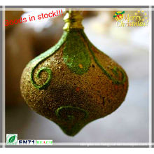 Decoración de la forma de la cebolla del brillo de la Navidad en la acción