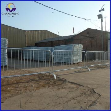 Загородный барьерный забор