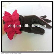 Nova senhora pele de carneiro luvas cinco a dedo na China