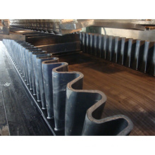 Large Dip Angle Skirt Rubber Sidewall Conveyor Belt For Conveying From 0-90 Degrees