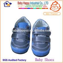 navy blue running shoe for children