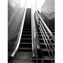 Rolltreppe im Freien mit Handlauf aus Edelstahl