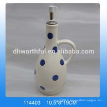 Bouteilles d'huile d'olive en céramique de conception moderne en gros avec peinture à points bleus