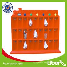 Plastikhandtuch Regal in der Schule LE-SK012