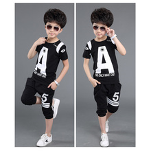 Summer Boy Clothes in Sport Suit in Hot Sale