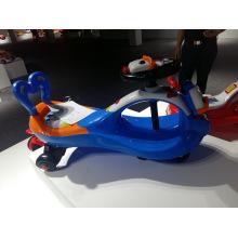 Preiswertes Qualitäts-reizendes Plastikbabywalker-orange Baby-Torsions-Auto