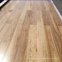 Revêtement de sol en bois dur noir mat