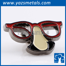 Custom die cast soft enamel metals comedyeyeglass lapel pins
