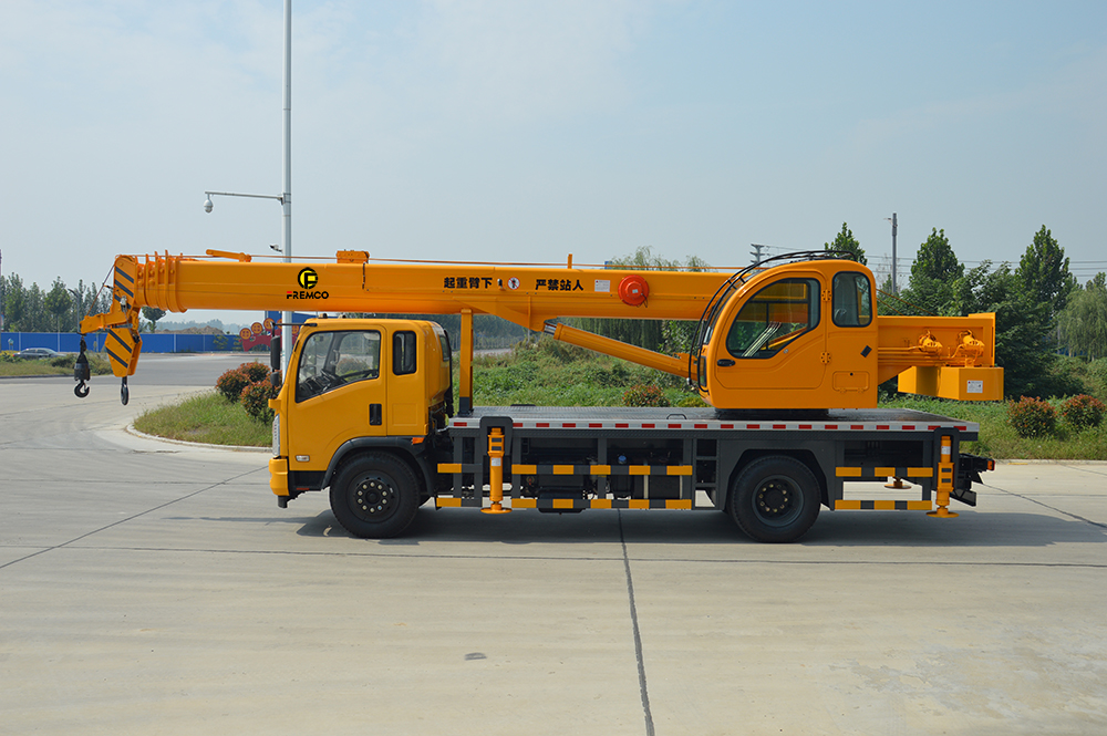 truck mounted crane price