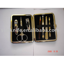 7-pc manicure set with metal frame case