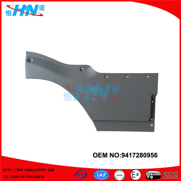 9417280956 Inside Front Door Lower Cover Parts For Mercedes Benz Trucks