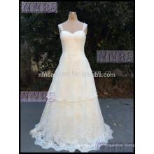 2015 Stylish A Line Straps Sweetheart Vestido de noiva em camadas com Appliques de renda Sweep Train Vestido de noiva