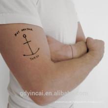 Kleiner und frischer temporärer Körper-Tätowierungs-Aufkleber trifft auf menschlichen, einfachen und einfachen Übertragungsaufkleber zu