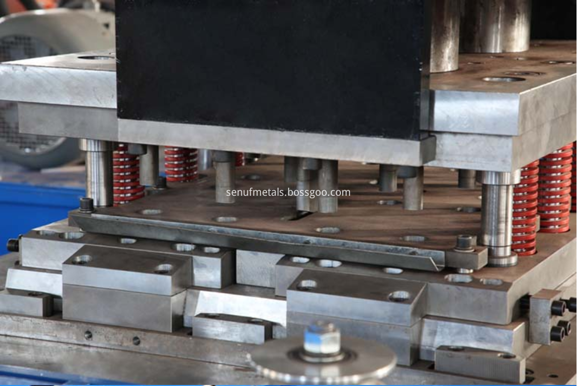 highway guardrail forming machine punching press (4)