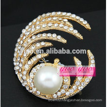 large pearl brooch for wedding cards