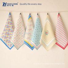 Dessin de fleurs Jolie conception Motif coloré Coton et lin en coton, tapis de table fait à la main