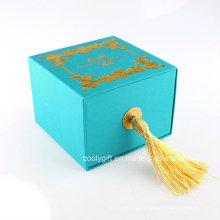 Boîte à bijoux en papier de luxe avec boucles d'oreilles logo estampage en or