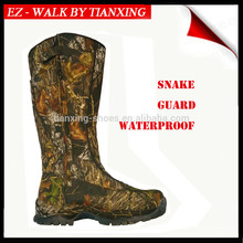 Camoflage waterproof hunting boots with snake guard