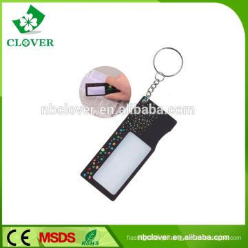 Promoção plástico 1 LED para leitura de cartão de crédito magnifier com chaveiro