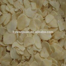 gelblich getrocknete Knoblauchflocken / dehydrierte Knoblauchflocken