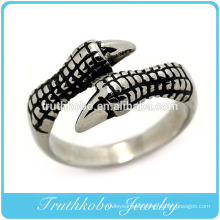Latest design mens fine polishing skull hand High quality 316l stainless steel rings wholesale