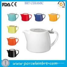 Panela de chá de cerâmica com toco de cores diferentes