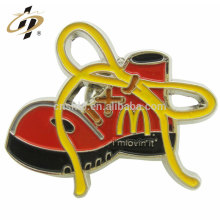 Top venda de liga de zinco sapatos personalizados logotipo esmalte emblema com pino de metal