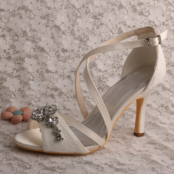 Tumit Tipis Gading Bridal Lace Shoes Sandals