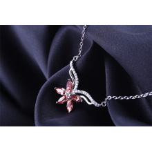 Importar Austria elemento de cristal hoja de arce rojo y azul collar hembra