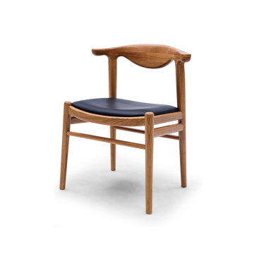 Hans wegner Elbow Chair voor restaurantkamer