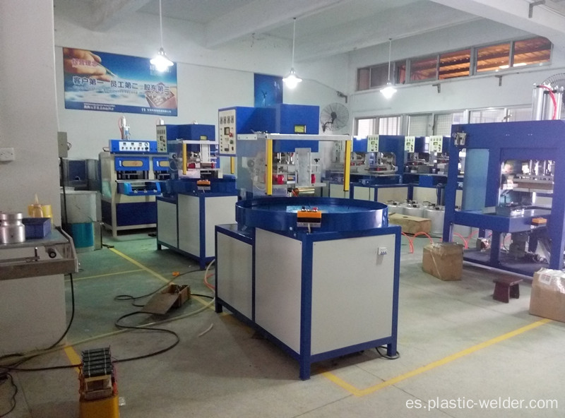 Tres estaciones de trabajo Blister Packing Machine