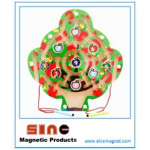 Labirinto magnético de madeira em forma de árvore para brinquedos educativos