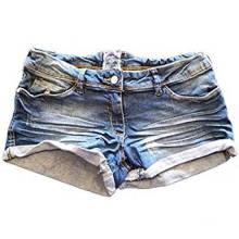 Pantalones cortos de mezclilla negra con lavado y ahumado para mujer
