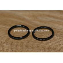 Brillantes anillos tóricos negros y o-ring de metal, piezas y accesorios para maletas