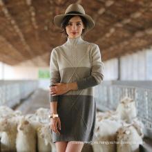 Suéter de cachemir de cuello alto para mujer