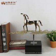 Escritório andando estátua de cavalo resina artesanato de animais
