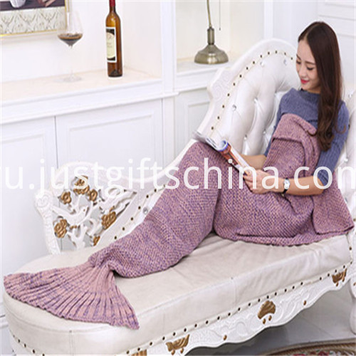 Promotional Kinnting Mermaid Tail Blanket1