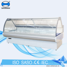 vitrine com porta de vidro deslizante servindo balcão da geladeira