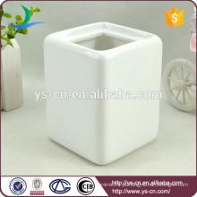 Acessório de banheiro branco titular cerâmica escova para a família