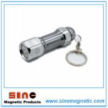 Llavero de aleación de aluminio con imán y luz