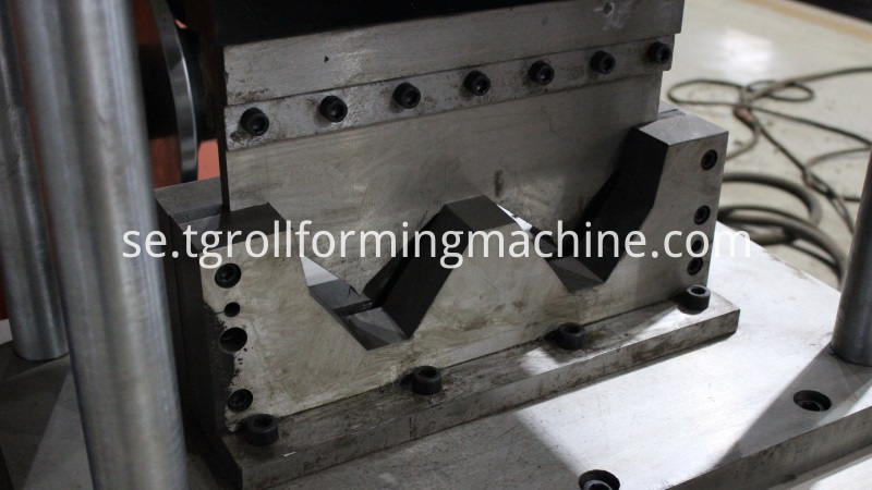 W Beam Highway Guardrails Roll Forming Machine