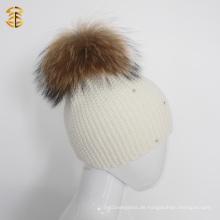 Weiße Erwachsene Häkelarbeit Mädchen Dame CC Beanie Hut mit Diamant