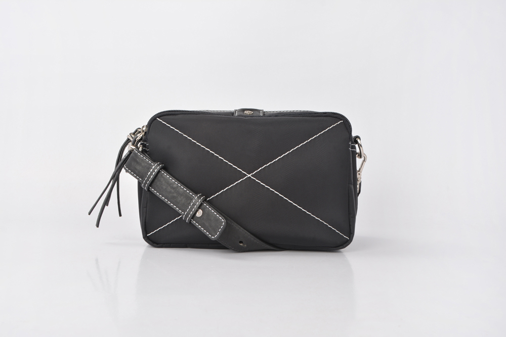Newest Standard Portable Zip Nylon Handbag