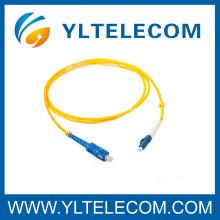 Corde optique 2.0mm LSZH de correction de SC / LC de fibre optique duplex de SM adaptée aux besoins du client