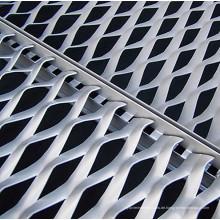 Aluminium, das dekorative Metallmasche ausbreitet