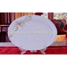 novos pratos de cerâmica e pratos de peixe