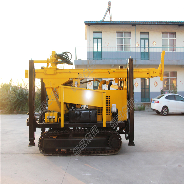 crawler mounted borehole drilling rig