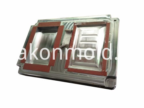 Plastic injection mold